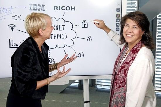 IBM presenta un espejo que te habla