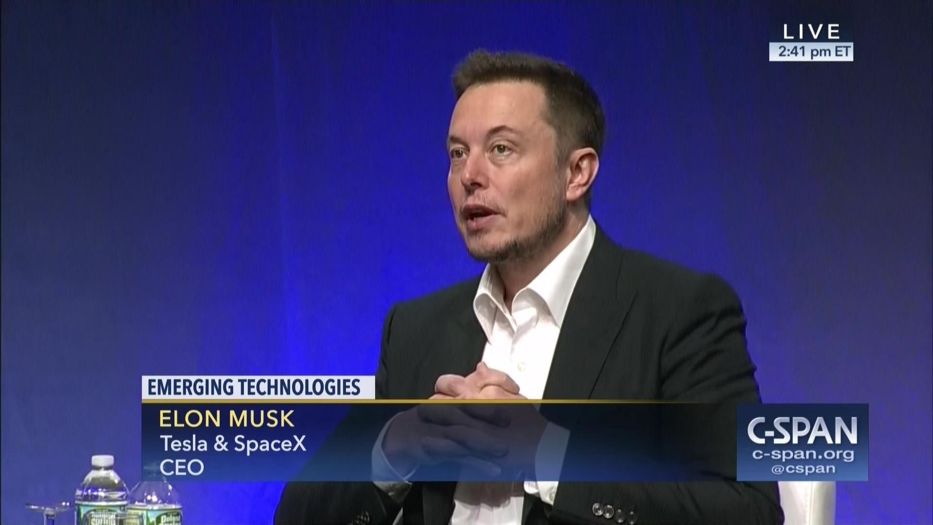 Elon Musk: hay que regular la inteligencia artificial antes de que sea demasiado tarde