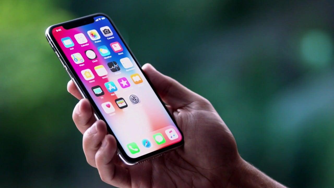 Usuarios de Apple demandan a la compañía por el caso de los iPhone ralentizados