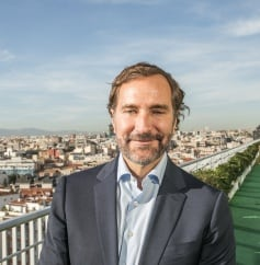 James Costos para revista Influencers