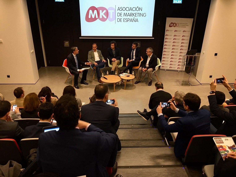 Reunión movilidad revista Influencers y Asociación del Marketing de España