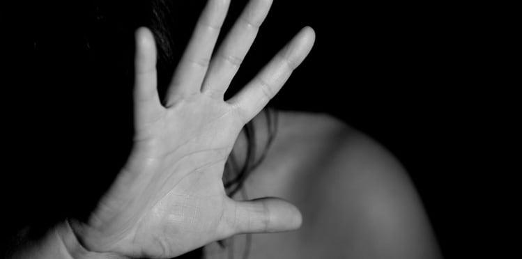"""""""De mujer a mujer"""" contra la violencia de género"""