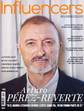 Pérez-Reverte protagoniza el último número de 'Influencers' en 2020