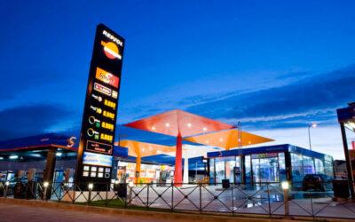 Repsol reconoce que aprovechó el verano para encarecer la gasolina