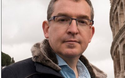 """Santiago Posteguillo: """"En España, una opinión libre puede condicionar tu desempeño cultural, y eso es muy triste"""""""