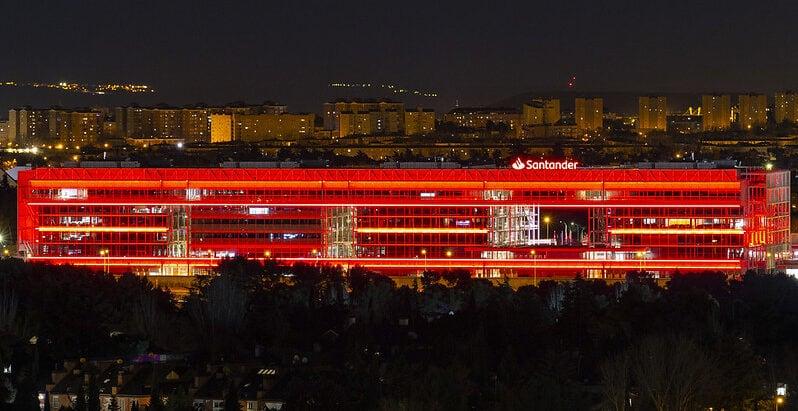 Banco Santander noche