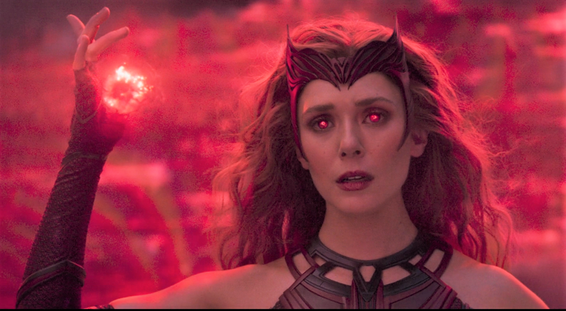 Superheroínas de cine: Bruja Escarlata.
