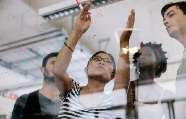 HP pretende alcanzar la equidad digital en 2030